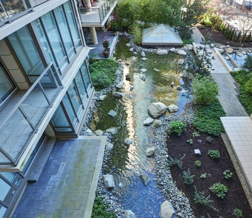 courtyard-nice